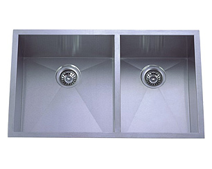 stainless steel sink, double sink, double kitchen sink, laser welded sink, undermount sink, centre drain sink, kitchen plumbing fixtures, UPC approved sink